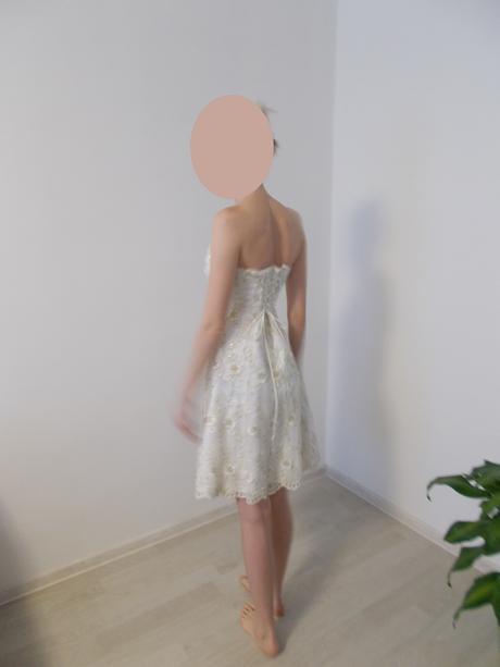 Čipkované šaty - krémovo-zlaté, 38