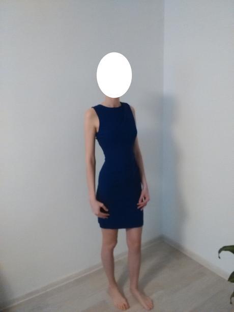 Modré šaty, S