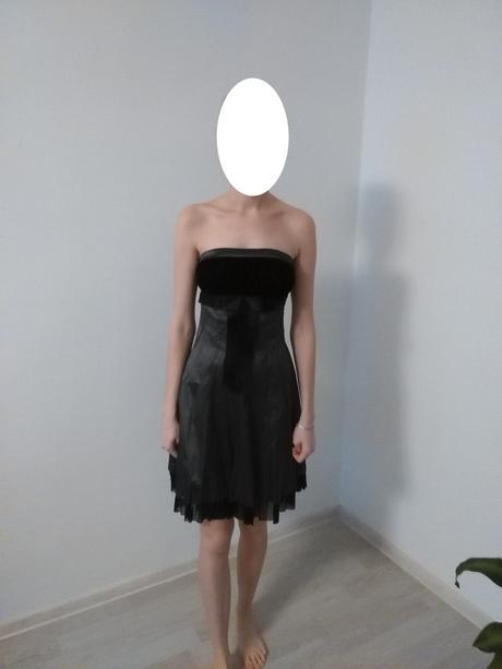 Sivo-čierne šaty, 38