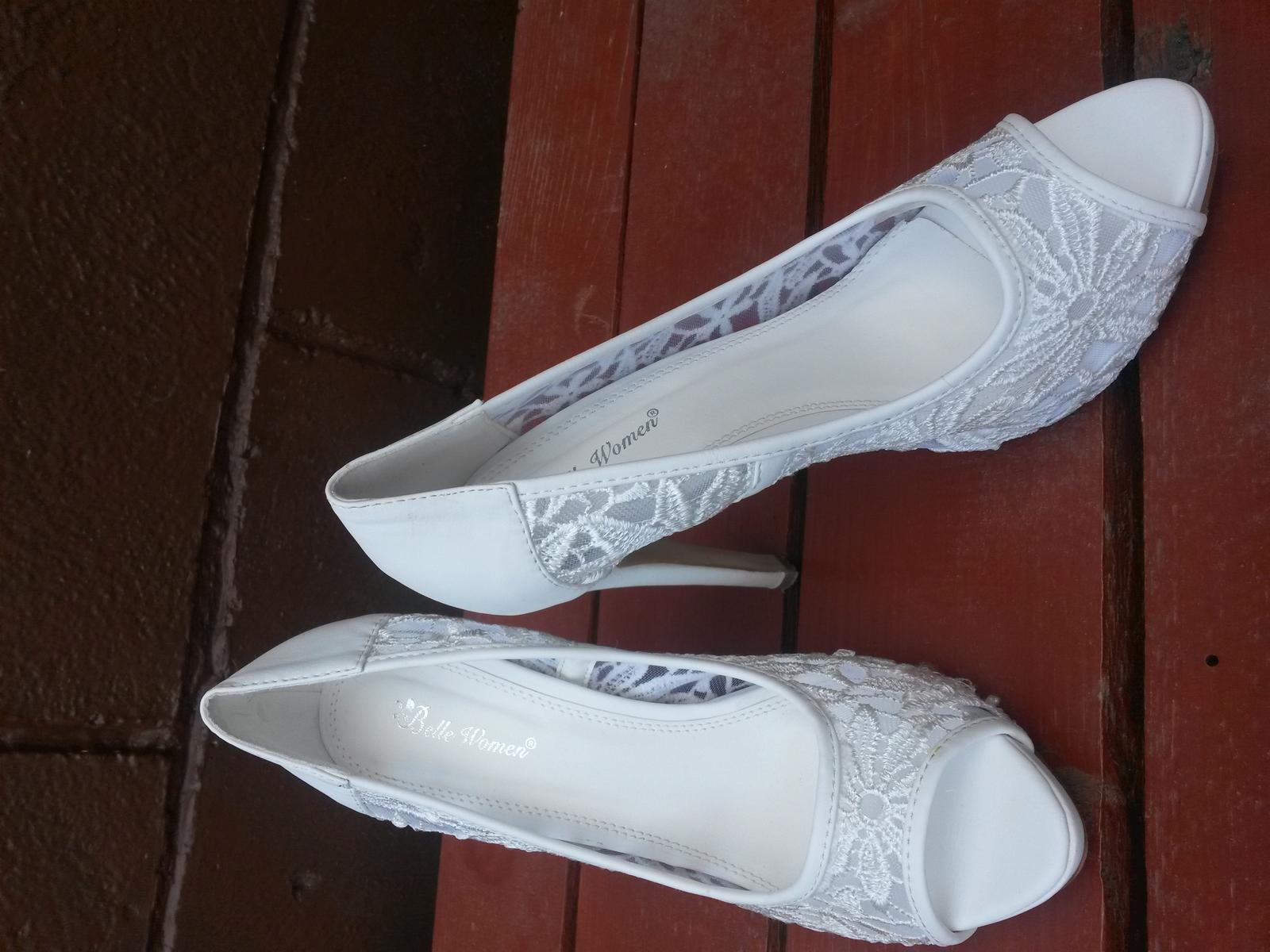 ccb04edd970c Cipkovane svadobne topanky