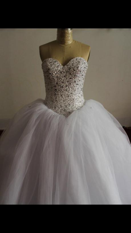 Princeznovské svadobné šaty s vlečkou, 34