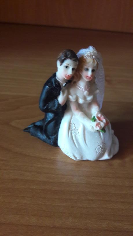Figurky na tortu,