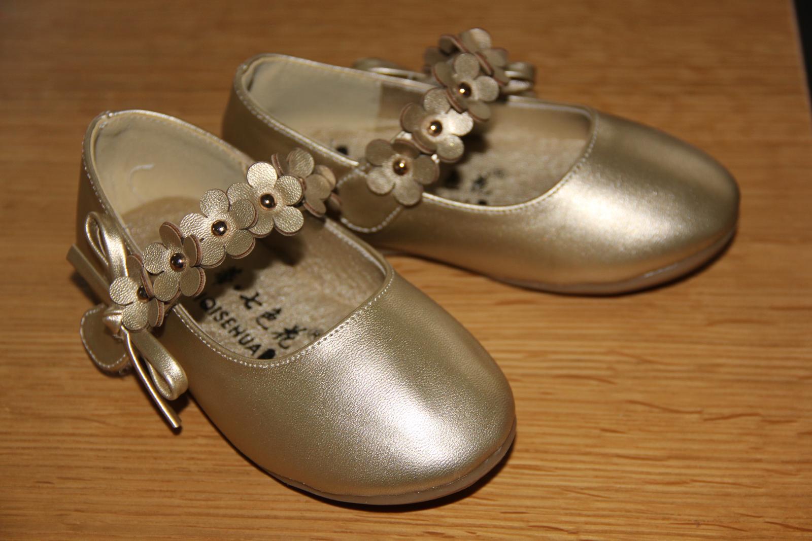 Zlaté balerínky pro družičku 33c9814745