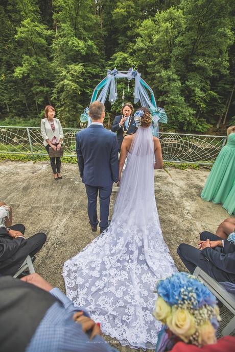 celokrajkové svatební šaty enzoani, 36