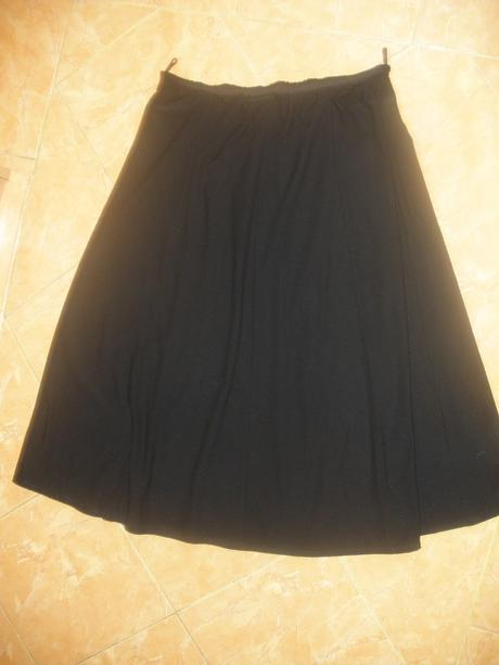 čierna dlhá sukna, L