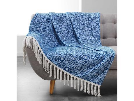Modrá vzorovaná deka so strapcami ,