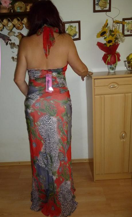 nepoužité šaty ever pretty, 46