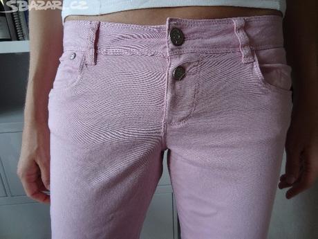 kalhoty na růžovou svatbu, 40