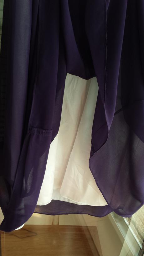 raz oblečené nádherné šaty, 42