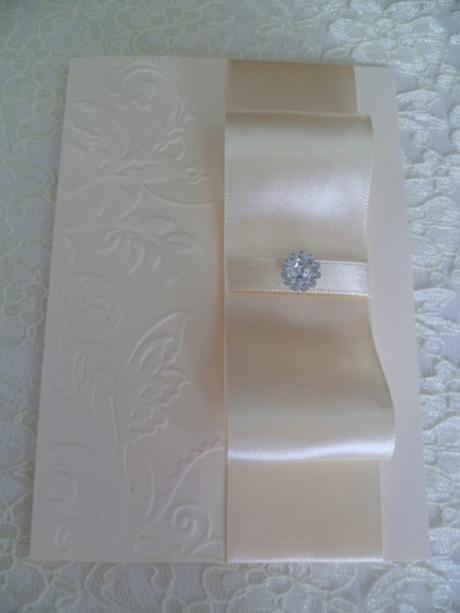 Svatební oznámení ve smetanové barvě se vzorem,