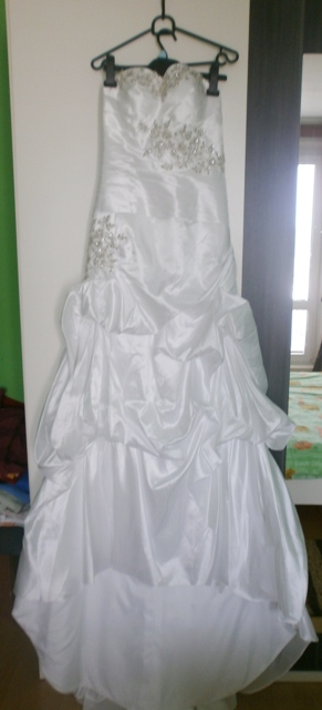 Svadobné biele šaty nepouzite, 36