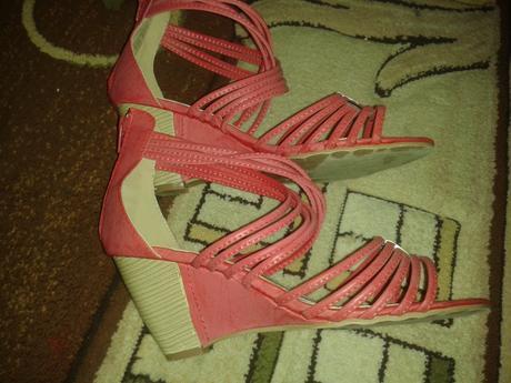 cervene sandale na platforme, 39