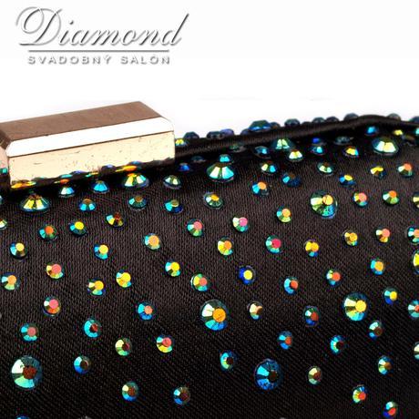 Čierna saténová kabelka s farebnými hot fixami,