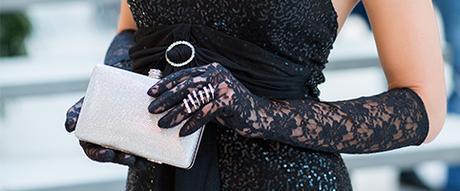 Čierne čipkované rukavičky,