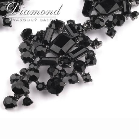 Čierne výrazné plesové náušnice,