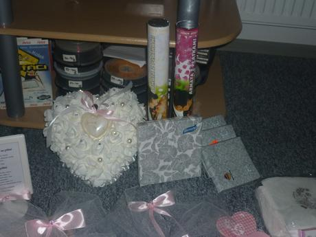 dekorace ze svatby růžovo,šedá,