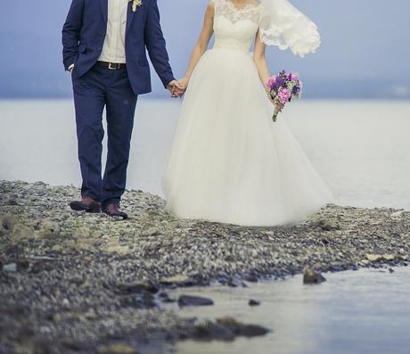 Dvojdielne svadobné šaty, 36