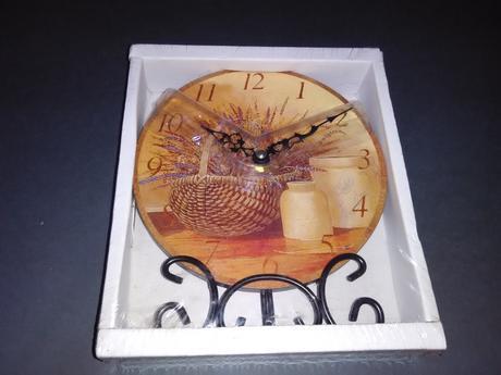 Dřevěné hodiny,