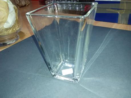 Skleněné hranaté vázy/dózy,
