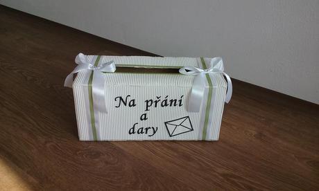 krabice na přání a dary,