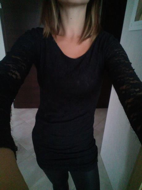 Čierne čipkované šaty, S