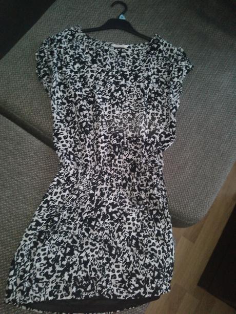 Čierno - biele šaty , 36