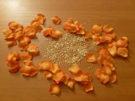 Textilní plátky růží + kamínky,