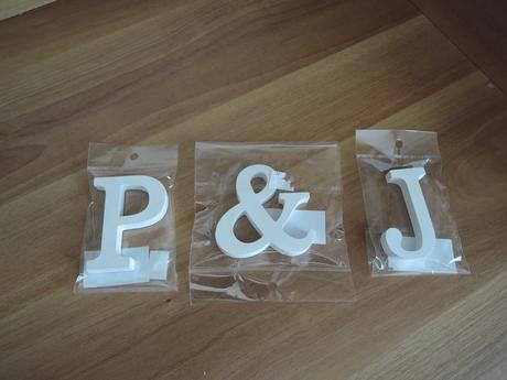 Dřevěné písmena P + J,