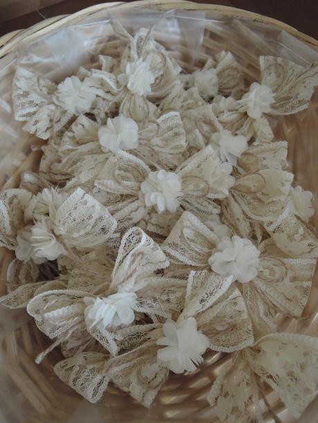 Handmade vývazky - mašličky s kytičkou,