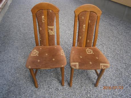 drevené stoličky,