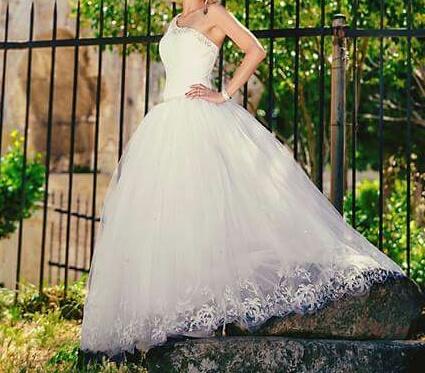 Luxusné svadobné šaty , 37