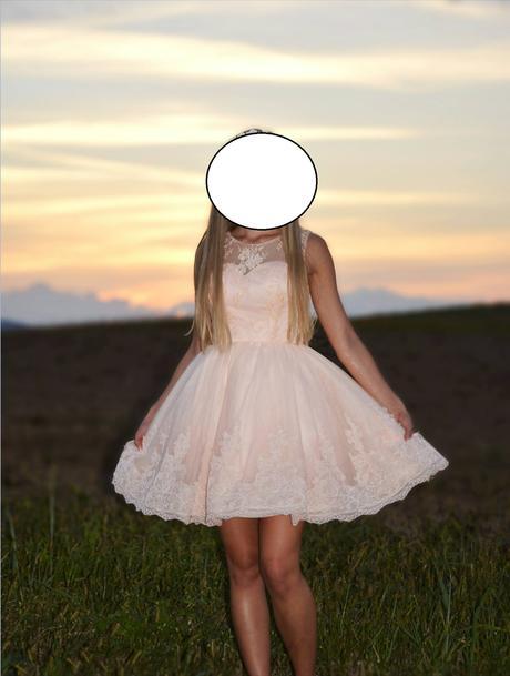 Marhuľkové šaty s bohatou sukňou, 34