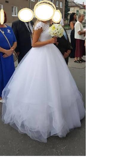 Snehovobiele svadobné šaty, 34