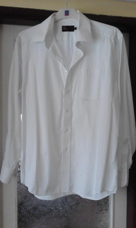 Bílá košile, 42