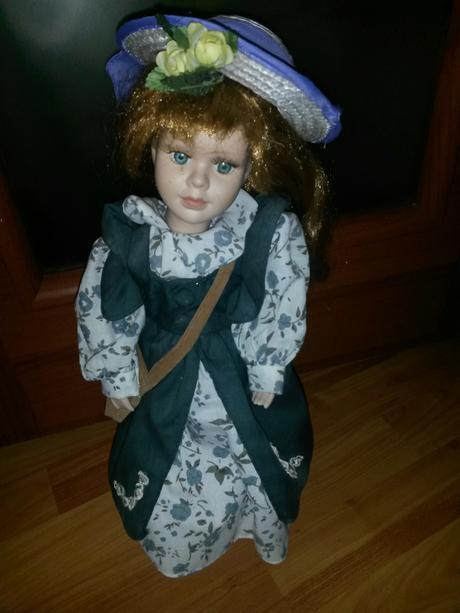 Porcelánová bábika,