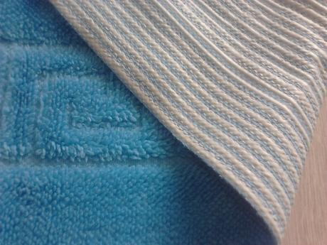 modrý koberček,