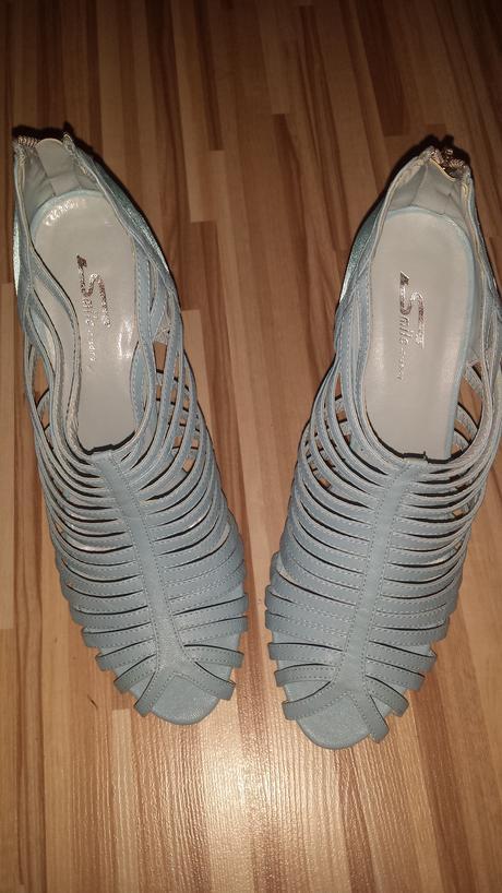 Modré poltopánky, 40
