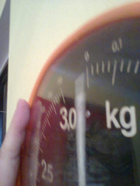 závesná kuchynská váha,
