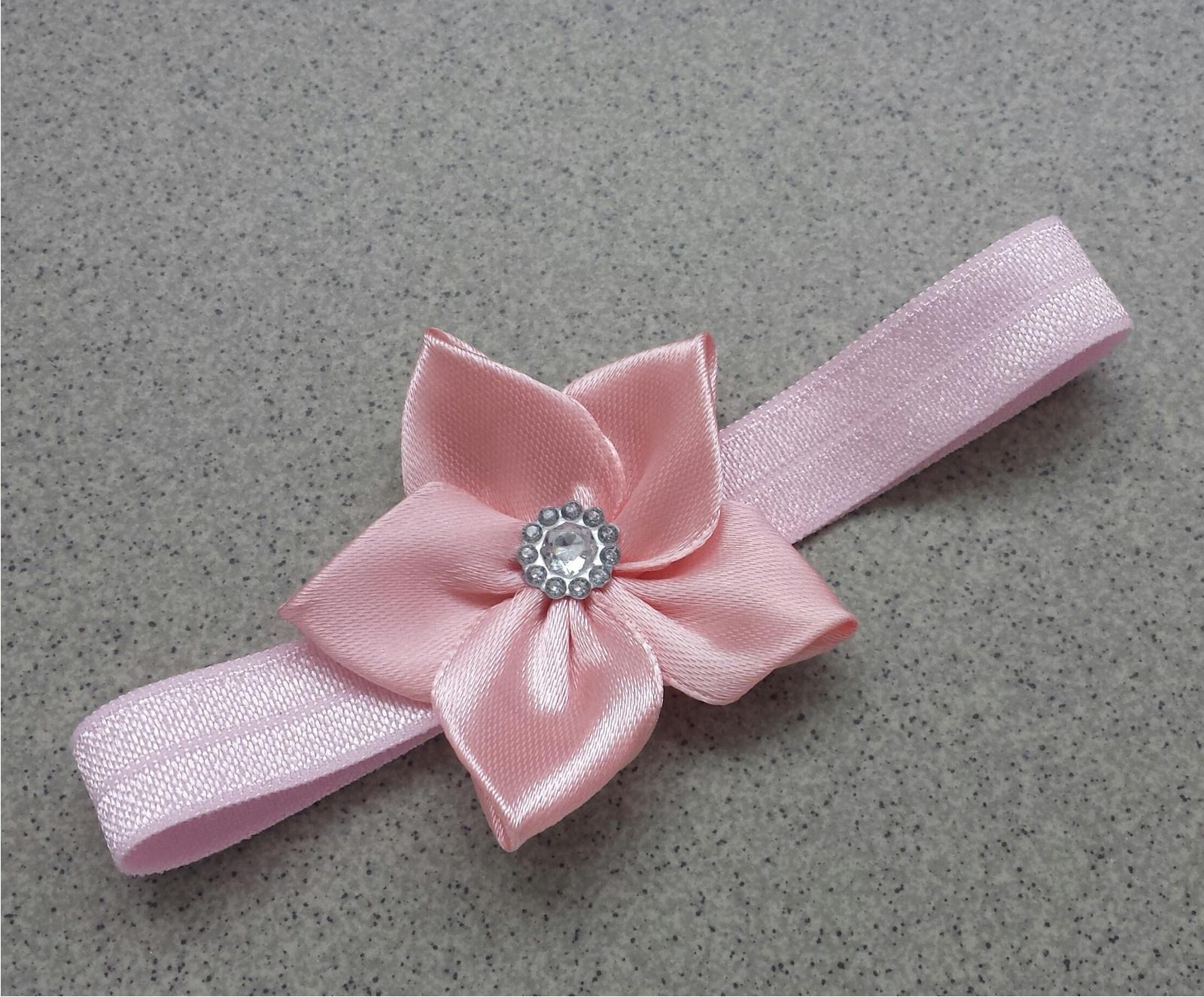 ce7f54d521f Růžová kanzashi čelenka