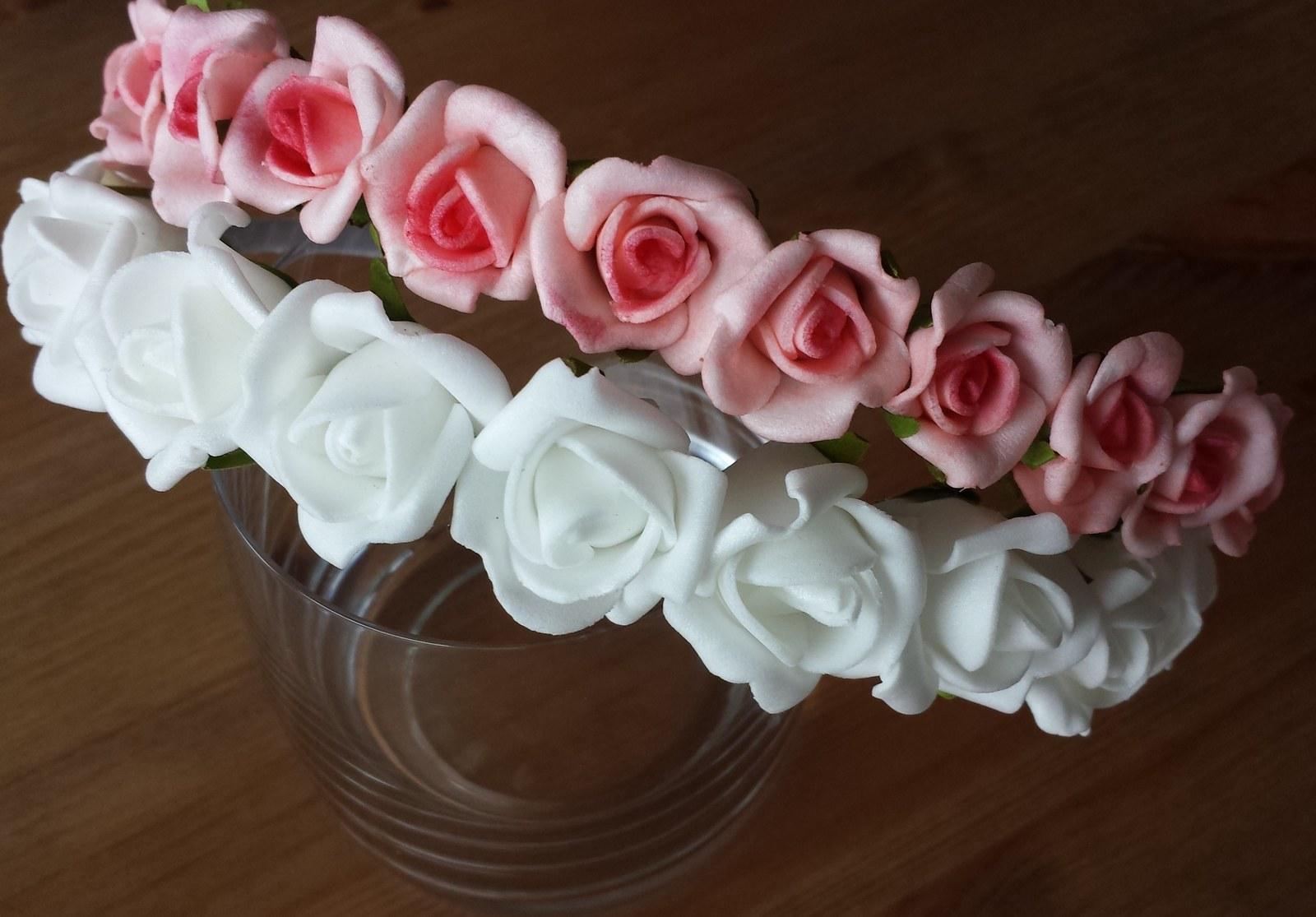 89b003cc9a2 Růžová květinová svatební čelenka