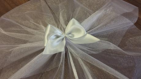 Bílá mašle na zrcátka/kliky bílá květinka vel.M,