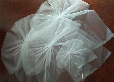 Bílá mašle na zrcátka/kliky ivory květinka vel. M,