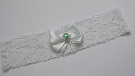 Bílý krajkový podvazek s bílou mašličkou, 38