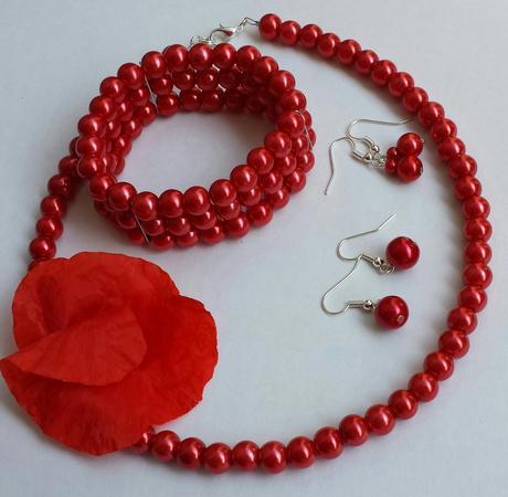 Bílý krajkový podvazek s červenou květinkou, 42
