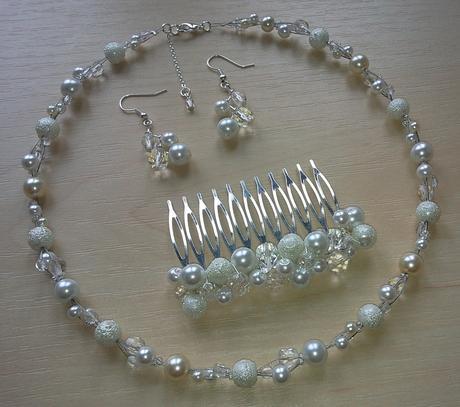 """Bílý svatební náhrdelník """"Michele"""" ,"""