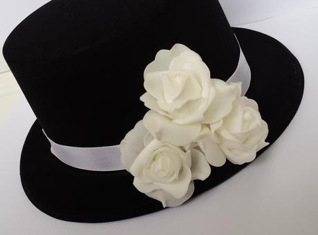 Cylindr na svatební auto - bílé růže,