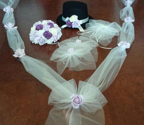 Fialové svatební vývazky,