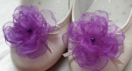 Fialové svatební vývazky s perličkou,
