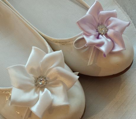 Ivory klipy na boty pro nevěstu - kanzashi,