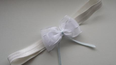 Ivory podvazek simple bow, 42